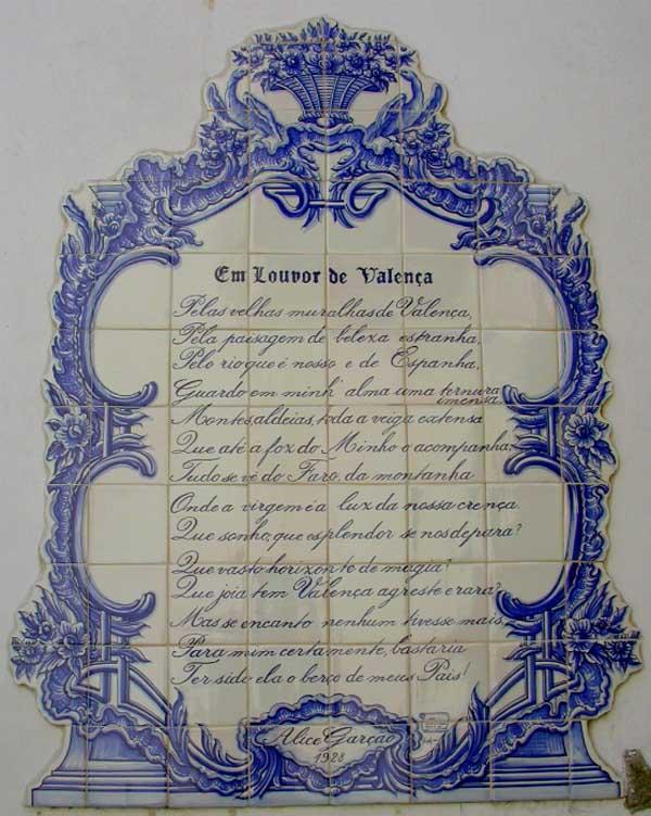 Infominho -  A arte do azulejo em Portugal: patrim�nio azulejar de Valen�a - INFOMI�O - Informacion y noticias del Baixo Mi�o y Alrededores.