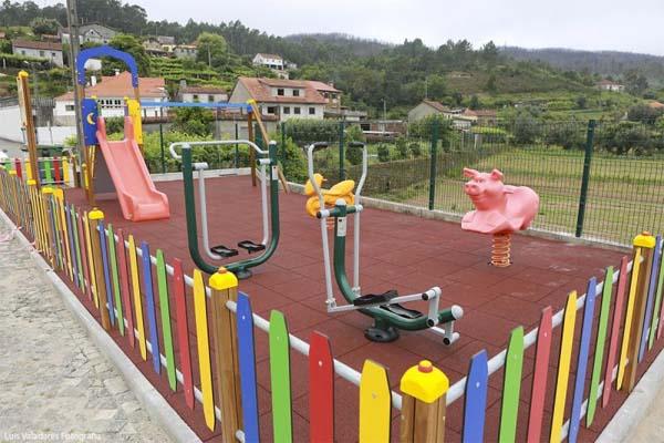 Infominho -  Caminha: Gondar j� tem parque infantil - INFOMI�O - Informacion y noticias del Baixo Mi�o y Alrededores.