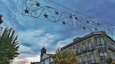 Infominho -  Tui ilumina as principais rúas da cidade polo Nadal   - INFOMIÑO - Informacion y noticias del Baixo Miño y Alrededores.