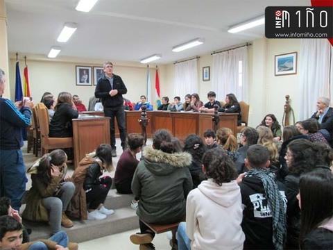 Infominho - Especial - Alumnos de 1º y 2º de ESO de A Guarda participaron en un Pleno Juvenil - INFOMIÑO - Informacion y noticias del Baixo Miño y Alrededores.