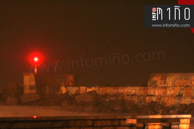 Infominho - El dique del puerto pesquero de A Guarda cede ante el primer gran temporal del año - INFOMIÑO - Informacion y noticias del Baixo Miño y Alrededores.
