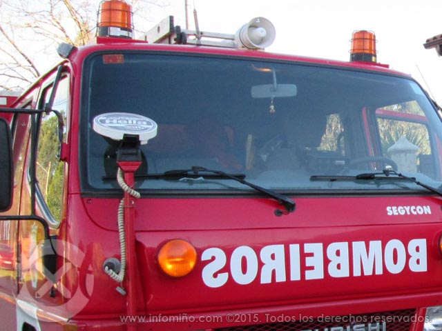 Infominho -  Un incendio calcina un coche e dana unha vivenda en Barrantes - Tomiño - INFOMIÑO - Informacion y noticias del Baixo Miño y Alrededores.