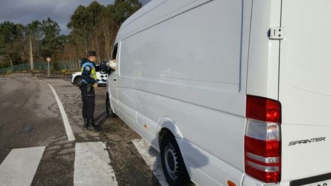 Infominho -  La Policía Local de Tomiño intercepta a un conductor con el permiso de conducir retirado por haber perdido la totalidad de los puntos del carnet - INFOMIÑO - Informacion y noticias del Baixo Miño y Alrededores.