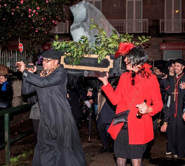 Infominho - Este domingo ás 19.30h celébrase o Enterro do Bacallau en Tui - INFOMIÑO - Informacion y noticias del Baixo Miño y Alrededores.