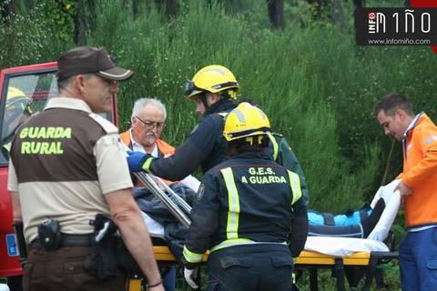 Infominho - Rescatado un pescador que sufrió una caída esta mañana en la costa de Sanxián en O Rosal - INFOMIÑO - Informacion y noticias del Baixo Miño y Alrededores.