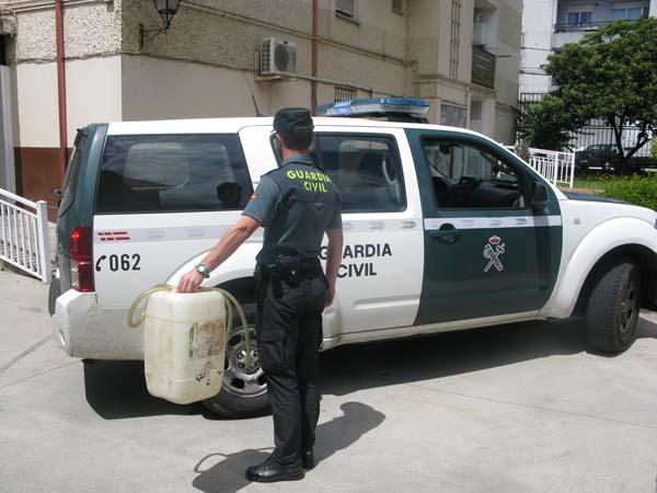 Infominho - La Guardia Civil sorprende a una pareja de Goian robando gasoil en Ponteareas - INFOMIÑO - Informacion y noticias del Baixo Miño y Alrededores.