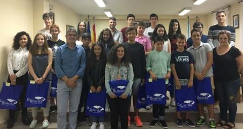 Infominho -  As alumnas e alumnos cos mellores expedientes da Guarda reciben o seu Premio de Educación 2017 - INFOMIÑO - Informacion y noticias del Baixo Miño y Alrededores.
