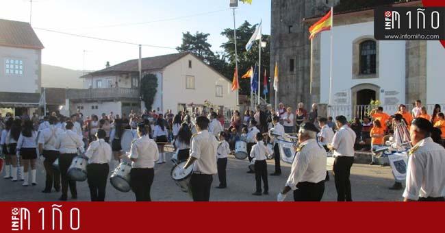Infominho - Especial - 10 grupos de Bombos se dieron cita en un encuentro internacional en Figueiró - INFOMIÑO - Informacion y noticias del Baixo Miño y Alrededores.