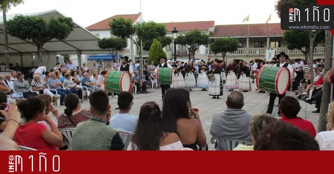 Infominho - Especial - A Banda do Rosal e o Encontro dos Pobos pecharon a programación das Festas do Pilar no Rosal - INFOMIÑO - Informacion y noticias del Baixo Miño y Alrededores.